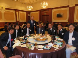 総会 テーブル写真